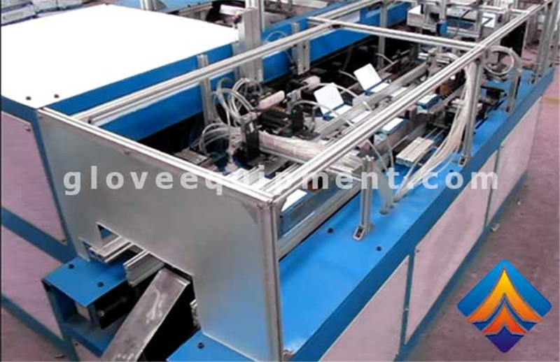 4-Side Sealed Pouch Gloves packging machine